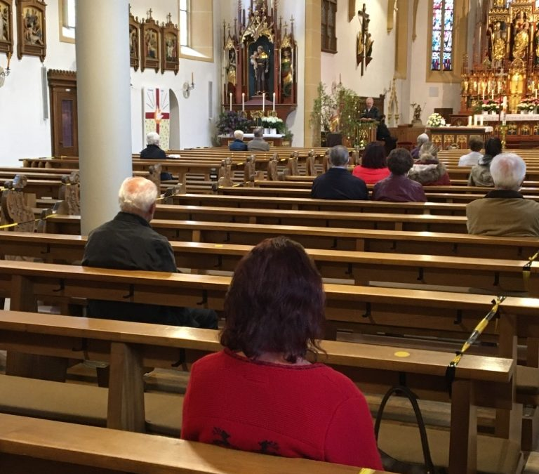 Gottesdienste für Besucher geöffnet
